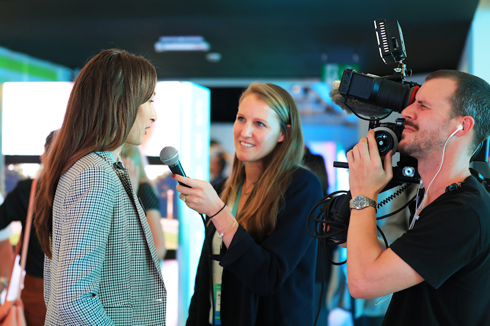 Interview at an event (Elina Jutelyte)